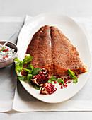 Lachsfilet mit süssen Gewürzen, Fromage Blanc mit Minze und Granatapfel