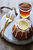 Zitronenkuchen mit Zitronenglasur