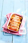 Cannelloni mit Spinat und Tomatensauce