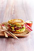 Pancake-Burger mit Rinderhackfleisch
