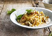 Spaghetti with Cream of Cauliflower and Mushrooms