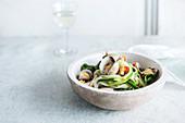 Zucchini-Nudeln mit Vongole