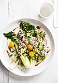 Gebackener Pak Choi mit Feta, Broccoli und Sesam