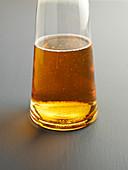 Apfelwein in Glaskaraffe