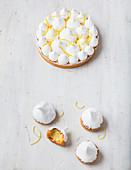Zitronen-Baiser-Gebäck und Zitronen-Baiser-Kuchen
