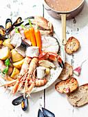 Cotriade (Traditionelles bretonisches Fischgericht, Frankreich)