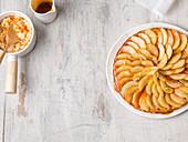 Apfelkuchen mit Milchreis und Karamell