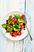 Baby spinach and cherry tomato salad