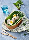 Weich gekochtes Ei mit Thunfischcreme