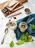 Kokosbrei mit Schokoladenraspeln