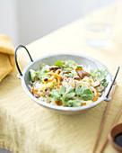 Gebratener Reis mit Chinakohl und Pilzen