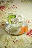 Avocado-Cappuccino mit Krebsfleisch