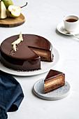 Schokoladentorte mit Birne