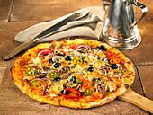 Gemüsepizza mit Sardellen