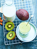 Kiwi avocado juice