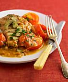 Thunfisch 'Bonne Femme' mit Tomaten und Cornichons