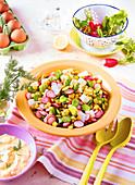 Bohnensalat mit Mais und Radieschen