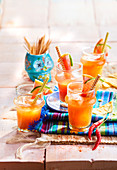 Chili-Paloma-Cocktail mit Grapefruitsaft, Tequila, Sirup und Agavendicksaft