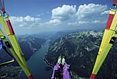 Paraglider über dem Achensee, Bayern, Deutschland, Europa