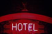 Neon Schild, Hotel