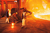 Workers in the heat of a steel mill, Maxhuette, Sulzbach-Rosenberg, Oberpfalz, Bavaria, Germany