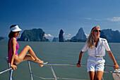 Frauen auf Boot, Phuket Thailand