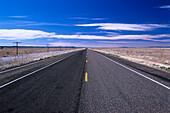 Highway to horizon, Route 66, Arizona USA, America