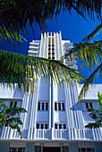 White building in the sunlight, Art Deco District, Ocean Drive, Miami Beach, Miami, Florida, USA, America