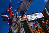 Sings in the Portobello Road Market, Portobello Road Market, London, England, Great Britain