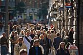 Sunday crowds, Pohjoisesplanadi Helsinki, Finland