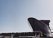 Queen Mary 2, Shipyard in Saint-Nazaire, Erinnerungsfoto Buch Seite 33