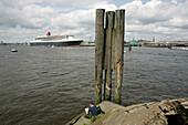 Queen Mary 2, Harbour Hamburg, Hamburg Germany