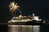 The Queen Mary 2 cruise ship at night, Hamburg Harbour, Hamburg, Germany