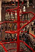 Flaschen an der Abfüllanlage im Coca-Cola Museum, Atlanta, Georgia, USA, Amerika