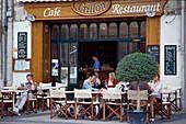 Cafe Crillon, Place Crillon, Avignon, Provence Frankreich