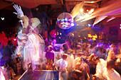 Vortaenzer in Disco Pacha, Ibiza Stadt, Ibiza, Balearen Spanien