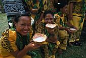 Women with Coconut Soup, Fiafia, Sa'anapu Upolu, Samoa, South Pacific