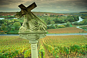 Way of the cross, vineyards near Volkach-Escherndorf, Nordheim in background, Franconia, Bavaria, Germany