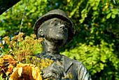 Statue of comedian Karl Valentin at Viktualienmarkt, Munich, Bavaria, Germany