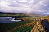 Küstenlandschaft bei Lambs Head, Regenbogen, Ring of Kerry, Irland