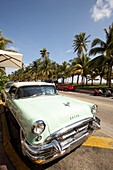 Vintage car at Ocean Drive, South Beach, Miami, Florida, USA, America