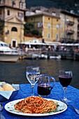 Traditionelles itallienisches Gericht, Spaghetti, Gardasee, Trentino, Trentino-Alto Adige, Italien