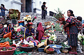 Women in traditional clothes, market on Thursday, Chichicastenango, El Quiché, Guatemala, South America, America
