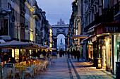 Rua Augusta m. Triumphbogen am, Praca do Comércio, Baixa Lissabon, Portugal