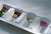 Box with tablets, Medicine, Health, Illness, Hospital, Symbols