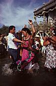 Dancing Couple, Rio Querna, El Rocío, Pilgrimage Andalusia, Spain S. 55