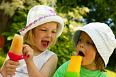 Girls with ice lollies