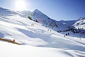 People skiing in Kuehtai, end of the Edelweissabfahrt, Kuehtai, Tyrol, Austria