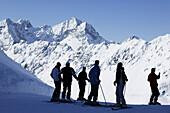 Skiing people on mountain station, Kuehtai, Skifahrer, Bergstation Hohe Mut Bahn, Tirol, Oesterreich Tyrol, Austria