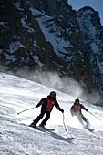 Skiing kids on Rettenbachferner slope, Skifahrende Kinder auf dem Rettenbachferner, Soelden, Oetztal, Austria Soelden, Oetztal, Oesterreich
